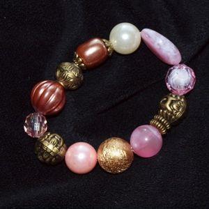 Jewelry - Pink, white, gold, bead bracelet vintage boho